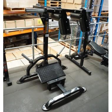 Powertec Leverage Squat/Calf - Floor Model