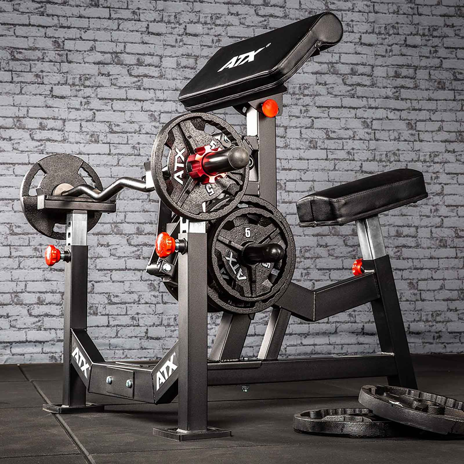 commercial biceps curl machine